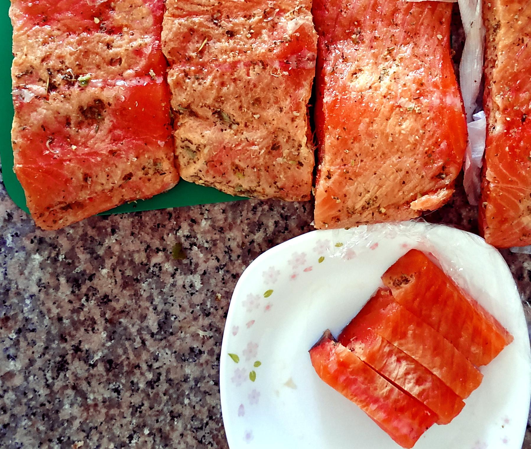 My experience making Gravlax, Cured salmon. .גראבלקס- סלמון כבוש שהכינותי